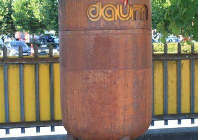 Alter Gastank mit Daum Logo
